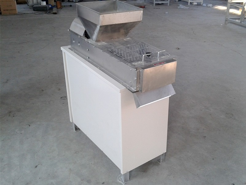 RB whole kernel Peanut Peeling Machine