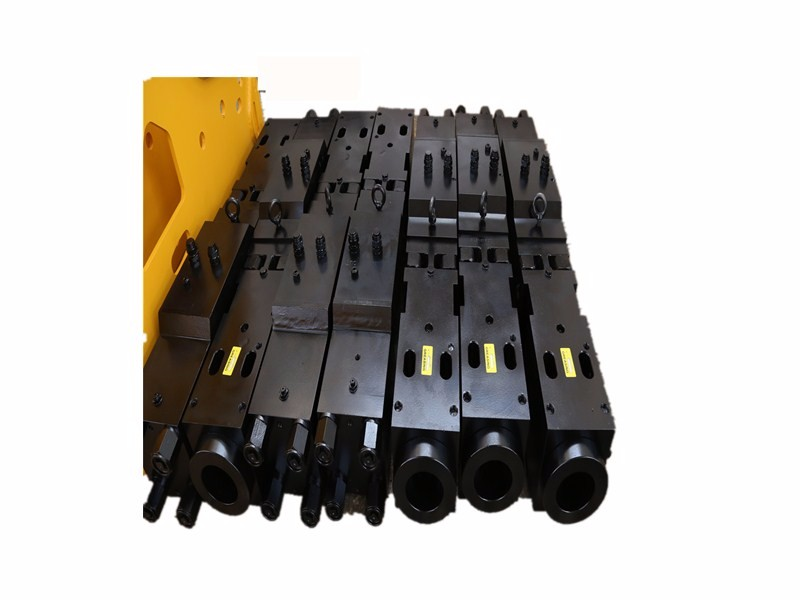 Development Process of Main Body of Hydraulic Crushing Hammer