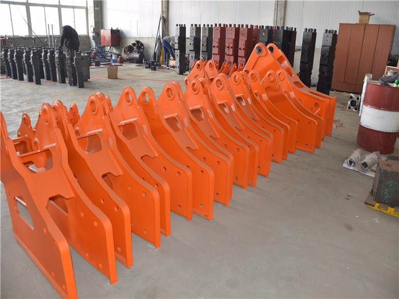The role of the hydraulic breaker shell