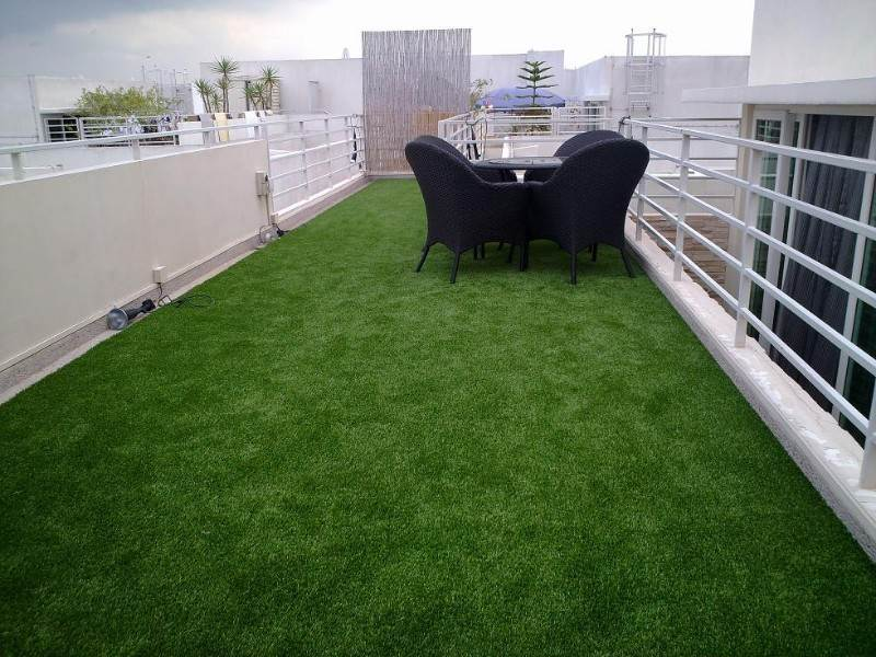 synthetic grass golf course